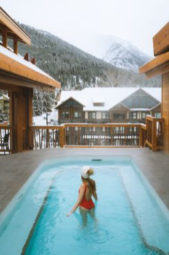 Planning a Trip to Banff in Winter - Moose Hotel and Suites -Renee-Roaming