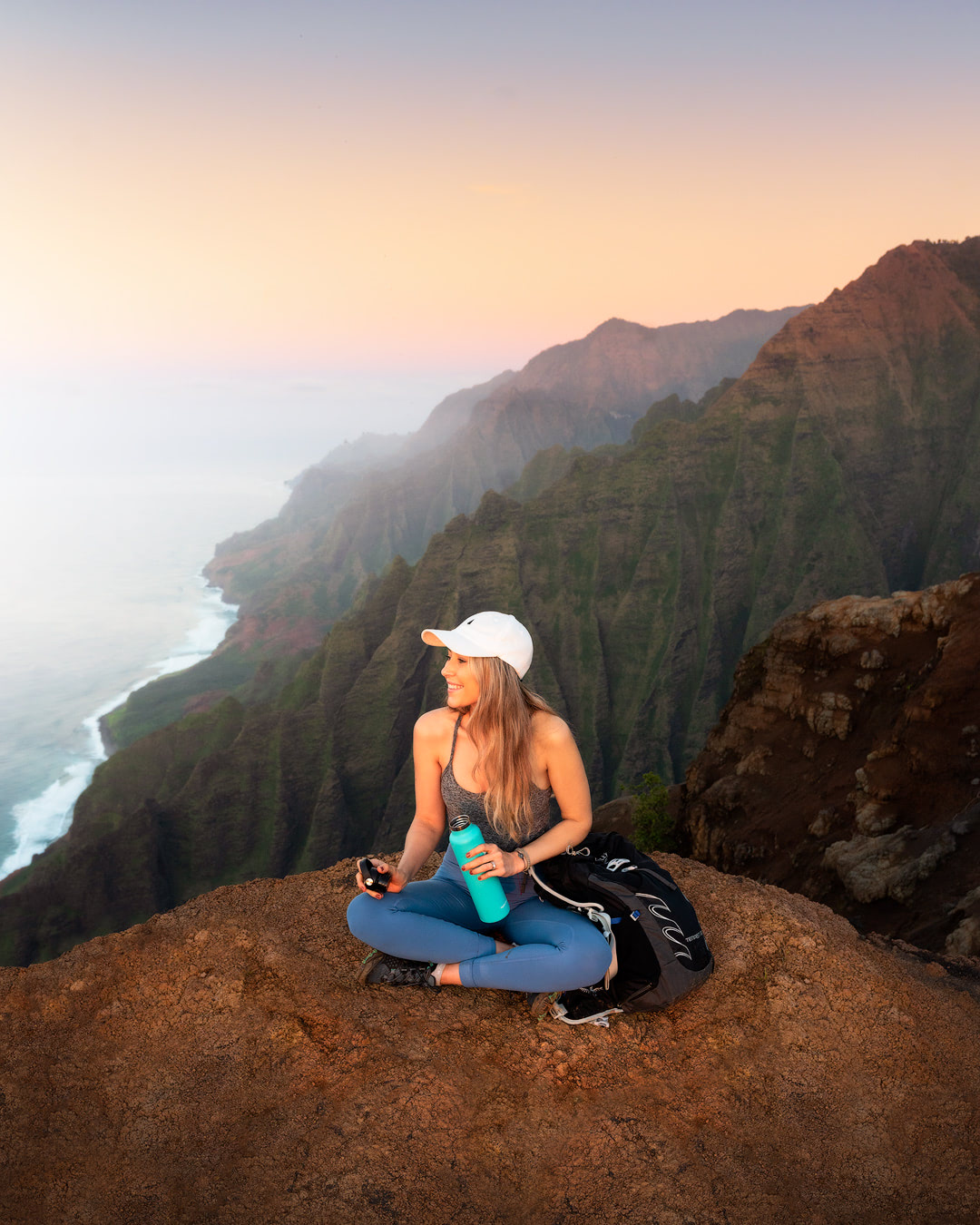 How To Travel Full Time - Must Know Tips for Affording to Travel the World - Kauai Hiking
