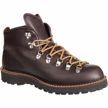 Best Hiking Boots for Men 2020 - Danner Mountain Light Hiking Boot Renee Roaming