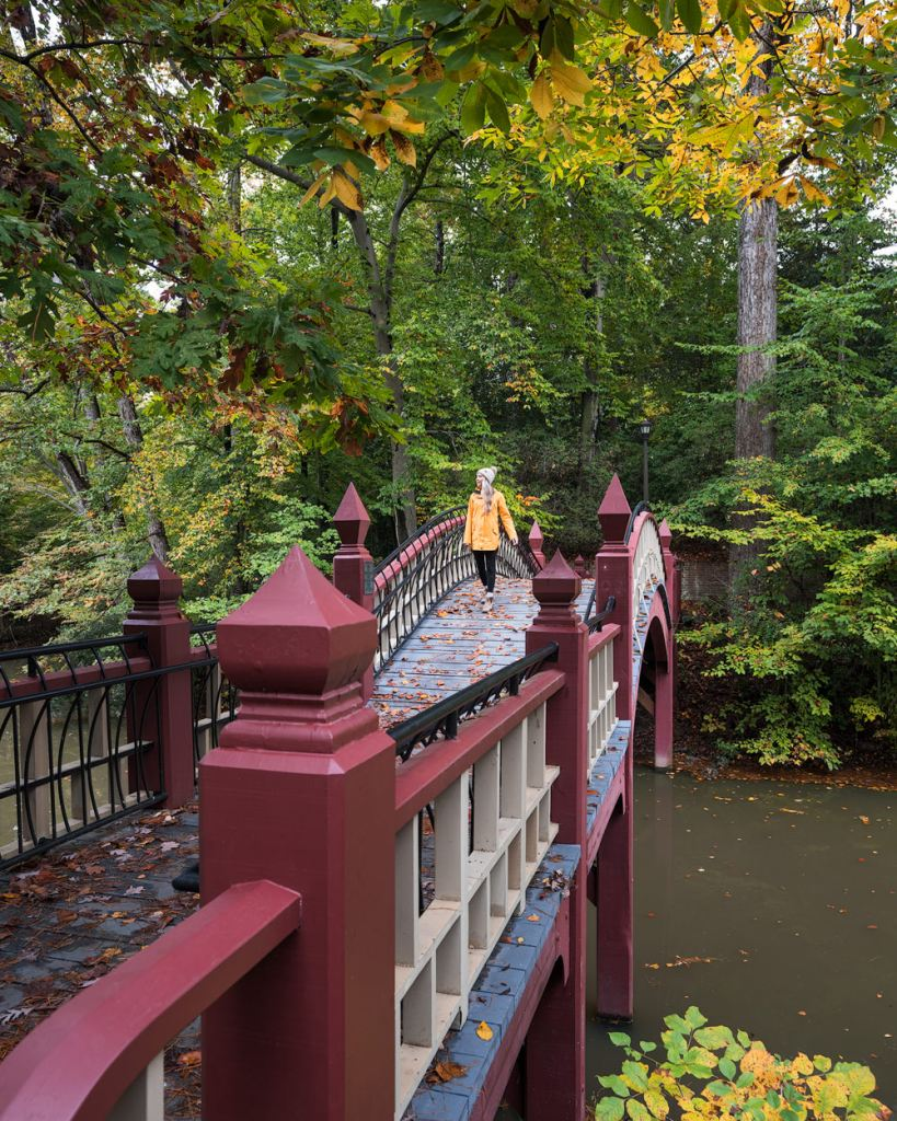 Williamsburg Virginia Guide and Itinerary - Crim Dell Bridge William and Mary College