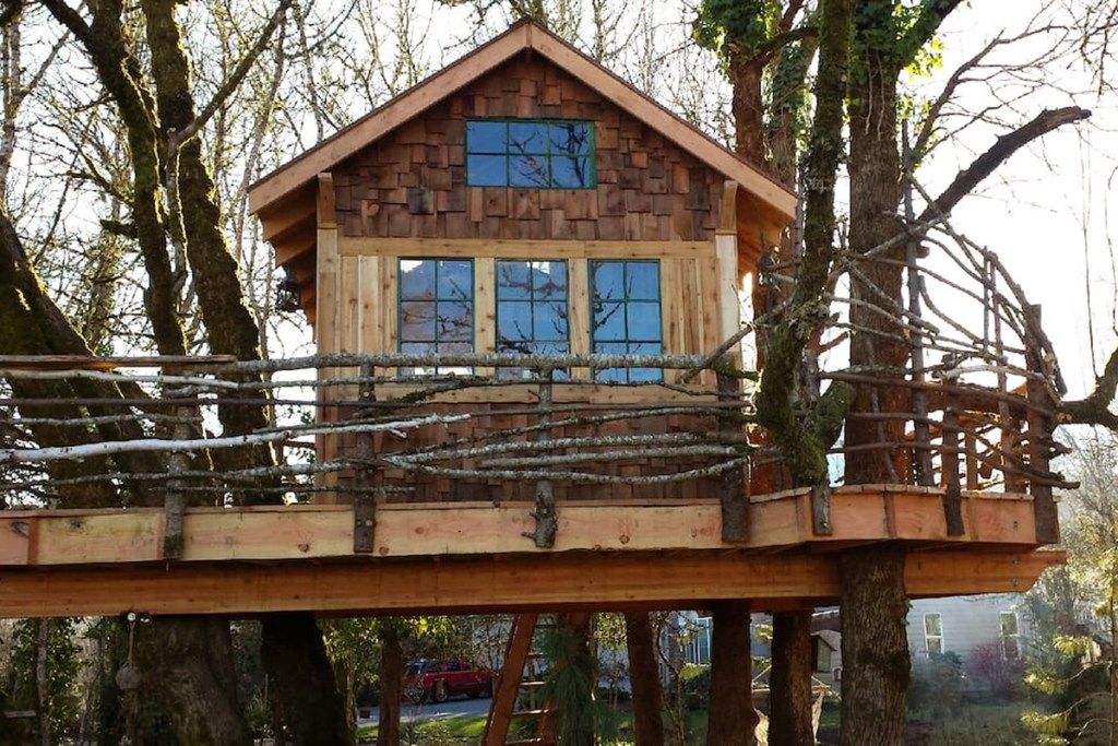 20 Magical Oregon Treehouses You Can Rent - The Treehouse Retreat