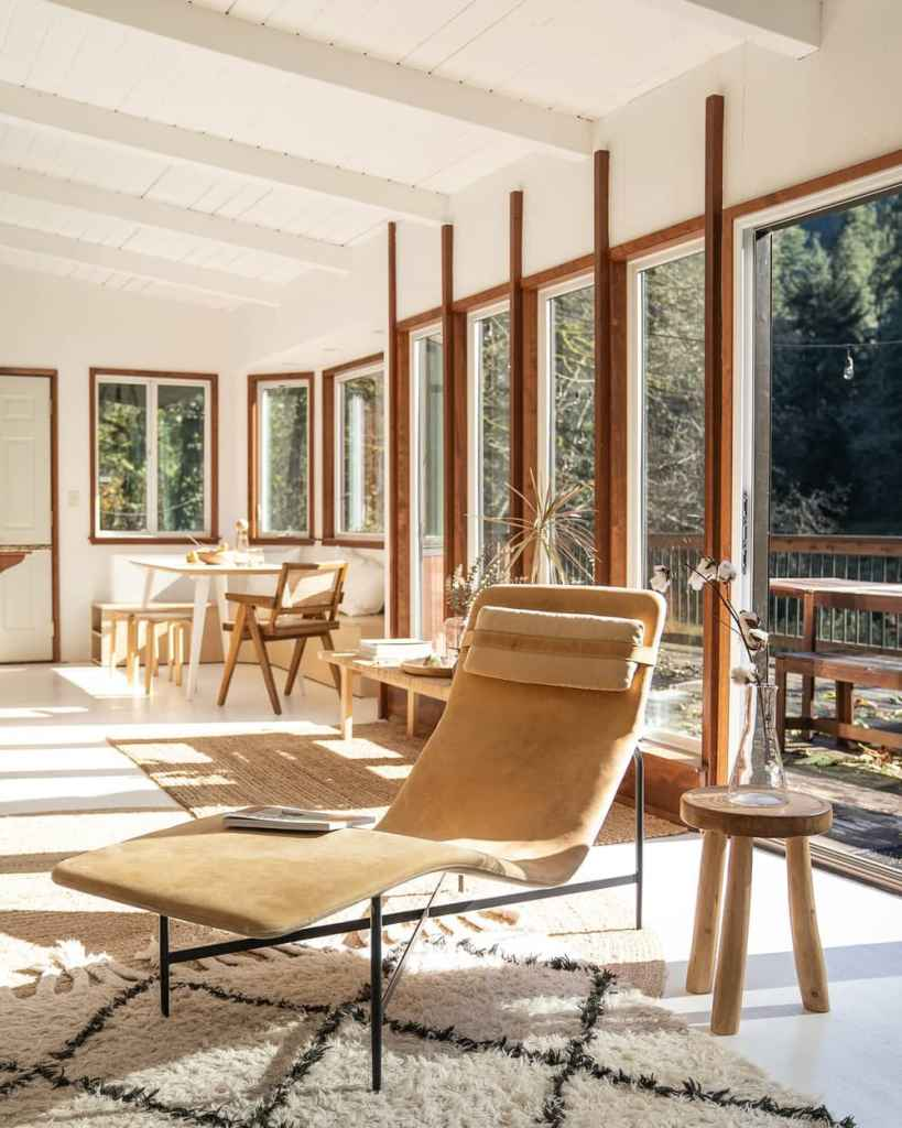 24 Dreamy Oregon Cabins You Can Rent - Mid Century Riverfront-Cabin