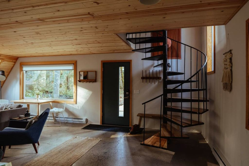 24 Dreamy Oregon Cabins You Can Rent - Niksen House Inside