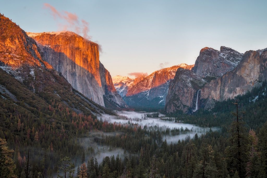 Best National Parks to Visit in Spring - Yosemite National Park Spring Guide - Tunnel View
