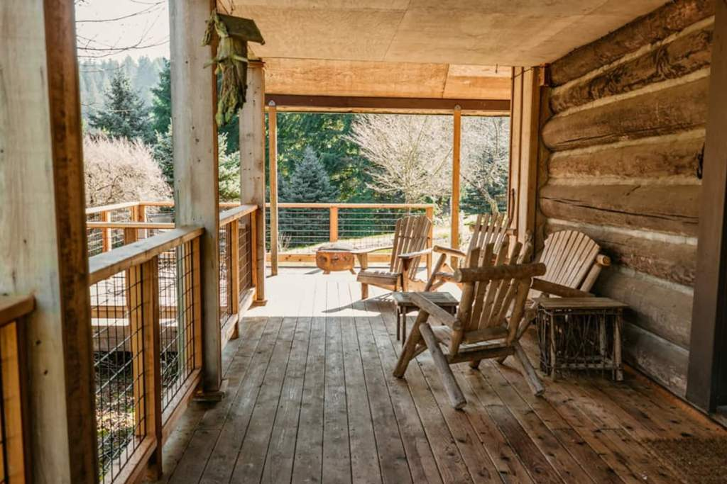 Cozy Cabins You Can Rent In Oregon -Halem House Log Cabin