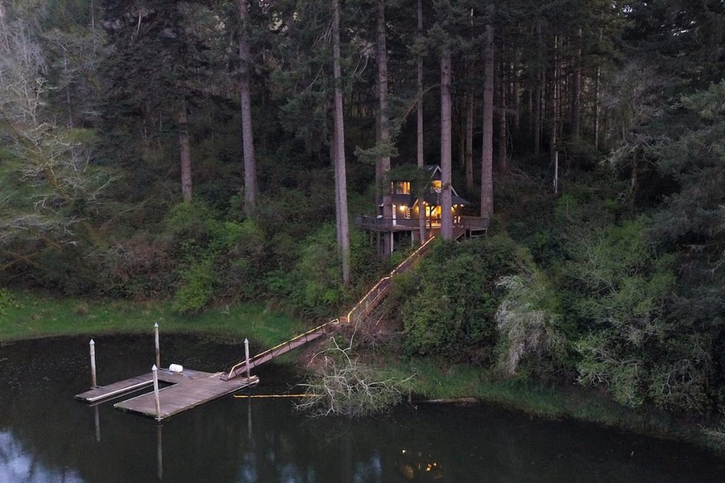 Dreamy Oregon Cabins You Can Rent - Cabin In The Trees