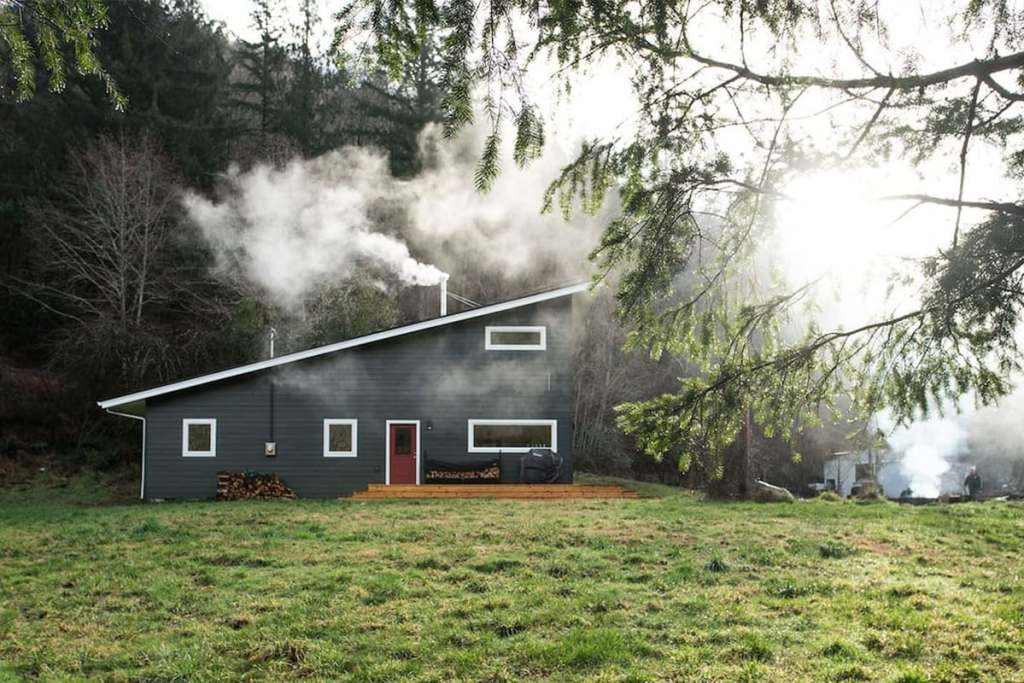 Oregon Cabin to Rent in Seaside - Nehalem River Cabin