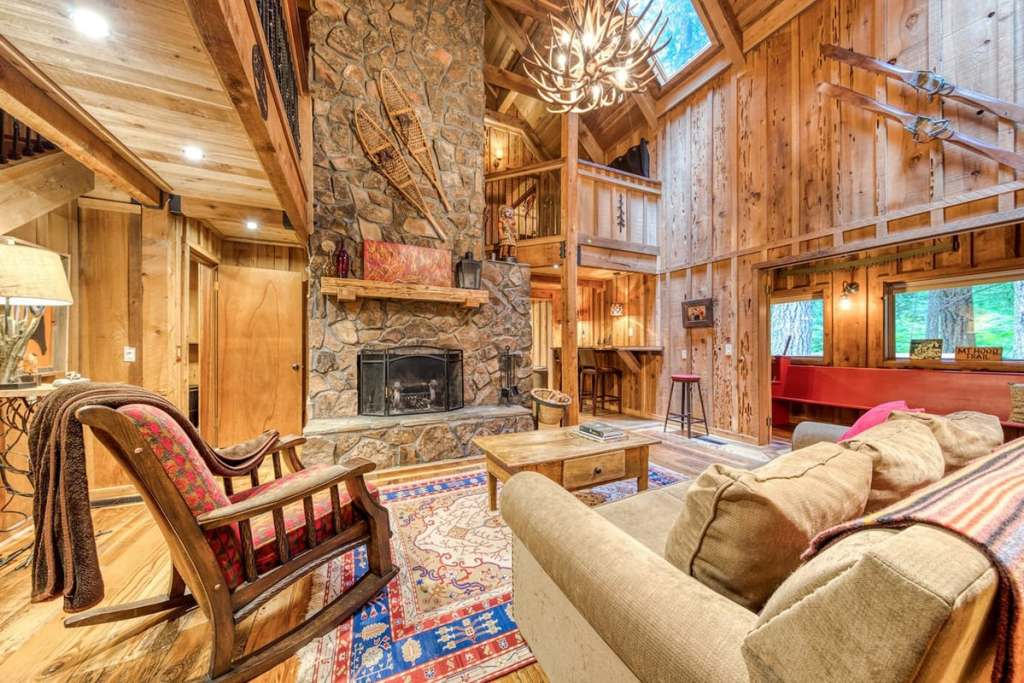 Oregon Cabins to Rent in the Mountains - Sycamore Lodge