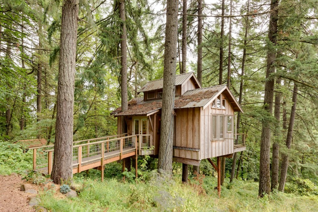Treehouse To Rent In Oregon - Deer Haven Oregon Treehouse