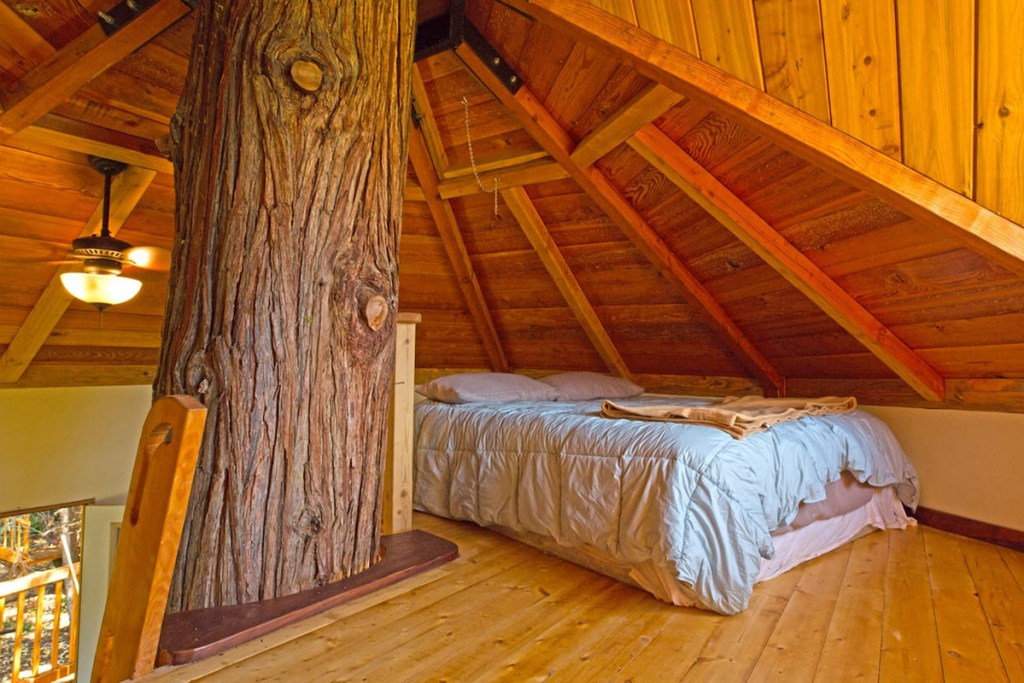 Treehouse You Can Rent In Oregon - The TokinTree Oregon Treehouse