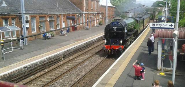 Video and Photos: Steam train travels through Renfrewshire