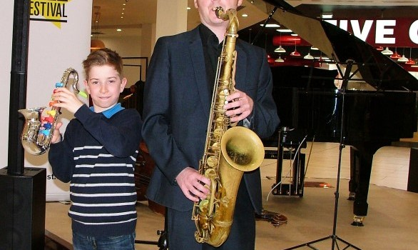 Mall gives diners a taste for jazz