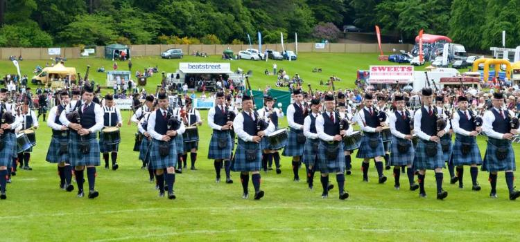 Johnstone win Grade Two World Pipe Band title