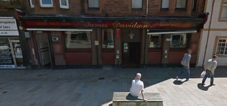 64-year-old knocked unconscious outside bar in Renfrew