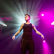Let Me Entertain You! Robbie Williams tribute comes to Paisley