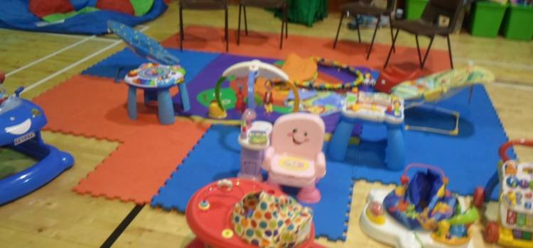 Come along to Johnstone Teeny Tots