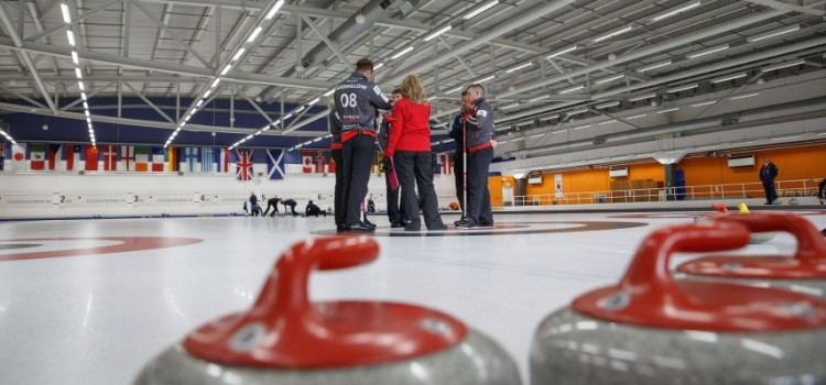 Curling fans can pay as you throw in the Saturday Sweep