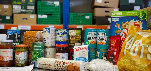 Renfrewshire Council agree extra food bank funds after introduction of Universal Credit