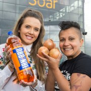 See how chef makes burgers with Irn Bru onions