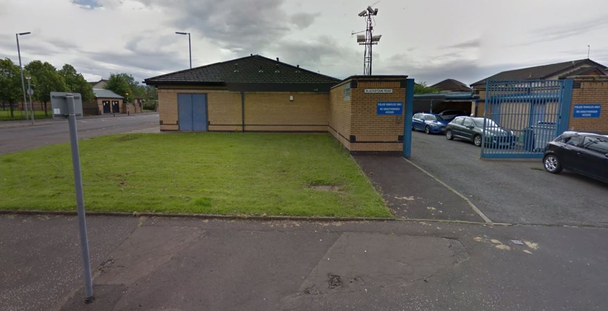 Toddlers found wandering Ferguslie street after getting out of unlocked front door