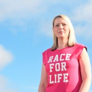 Brave bride Deborah to Race for Life