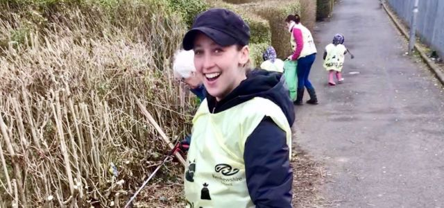 MP Mhairi Black and Councillors team up with locals for a Community Clean Up in Corseford