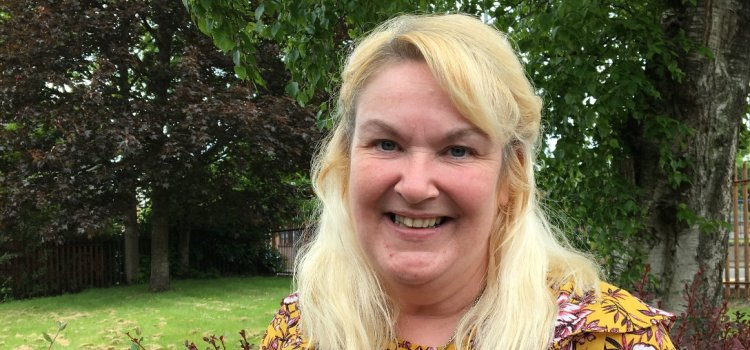 Quarriers Renfrewshire Head Injury Service brings Sunshine into life of woman living with acquired head injury