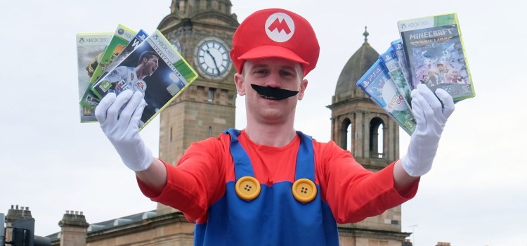 It's game on for Super Mario as he visits Paisley
