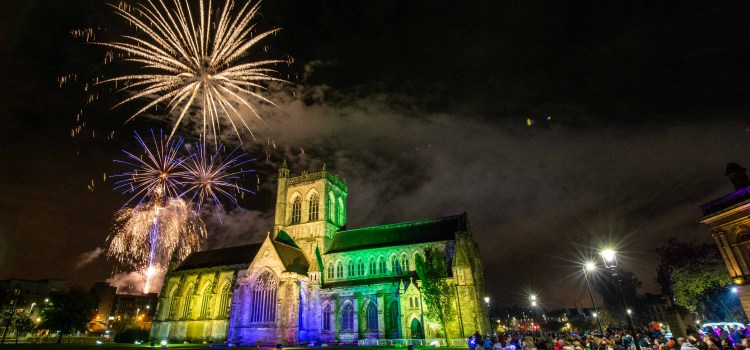 Thousands turn out for Paisley's Fireworks event