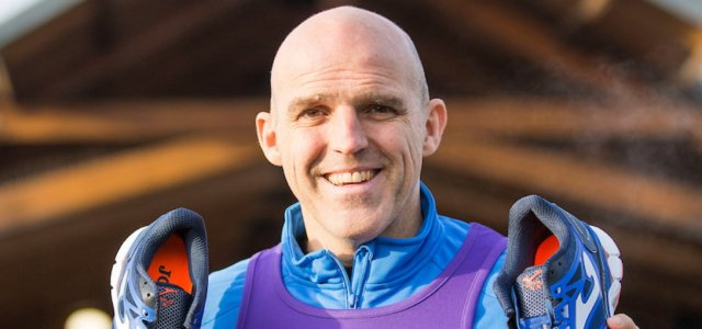 Former footballer Alex Rae takes on his first marathon in aid of veterans