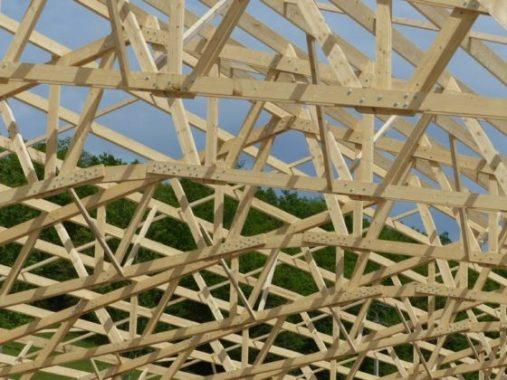Quels matériaux choisir pour construire la charpente de votre maison ?