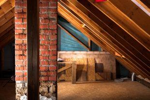 Comment isoler le plancher des combles aménageables?