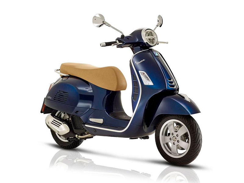 PIAGGIO-VESPA-125 rent scooter and motorbike salerno