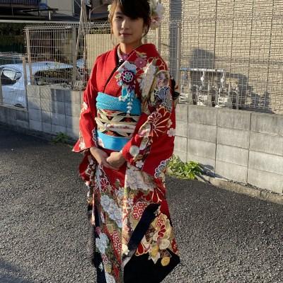 【成人式/参列/振袖】クール可愛いモダン☆赤地御紋菊 J-ROSSO