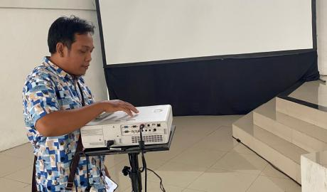 Sewa Screen Proyektor Surabaya Jawa Timur Ukuran 3x4 meter