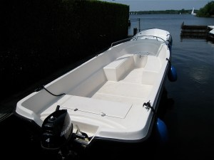 large motorboat rental