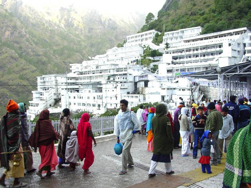 Tempo Traveller Hire For Vaishno Devi
