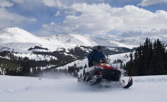 Who rents snowmobiles in Colorado