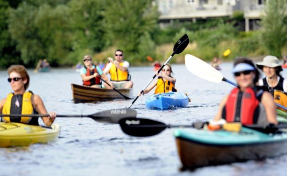 Tips for kayaking or canoeing in a group