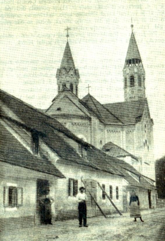1895 - Trnovska cerkev po potresu, zvonika ravno obnovljena