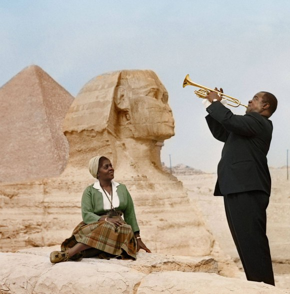 Louis in Lucille Armstrong, Cairo, 1961 (foto: photojacker/Reddit)