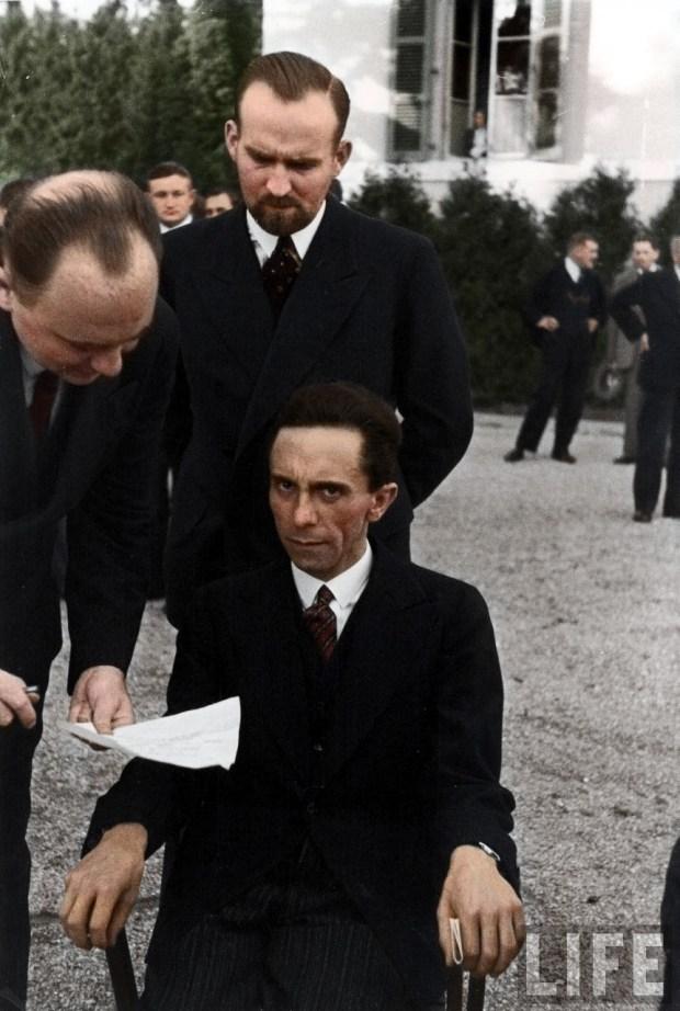 Joseph Goebbels, ko izve, da je fotograf Albert Eisenstaedt žid (foto: zuzahin/Reddit)