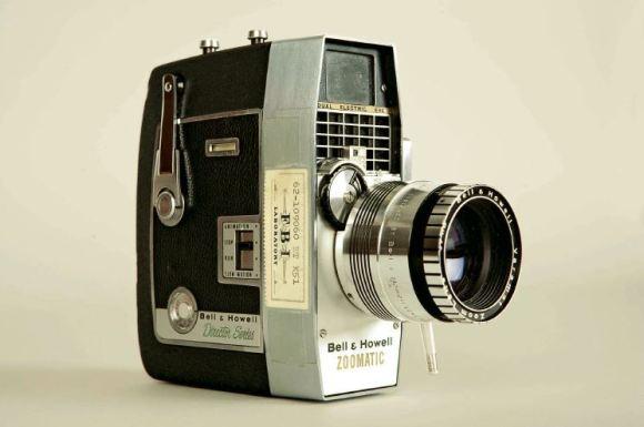 Bell & Howell kamera, s katero je Abraham Zapruder posnel zadnje trenutke JFK | NARA