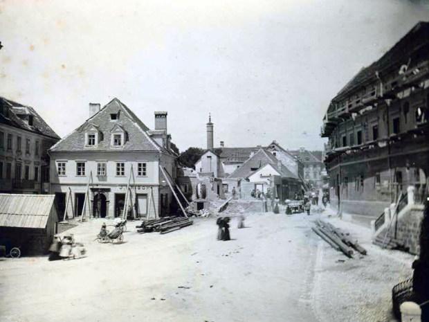 1895 - rušenje stavb na Marijinem trgu (danes Prešernov trg) in Čopovi ulici