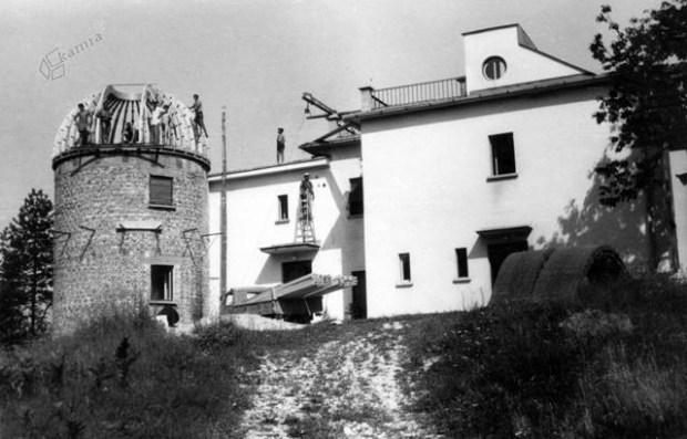1954 - gradnja observatorija AGO
