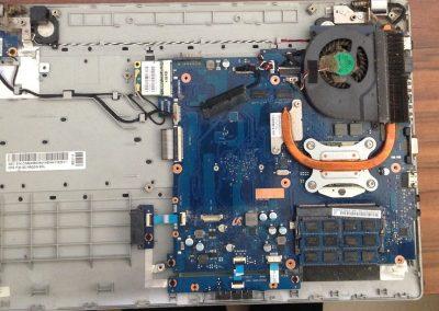 Εσωτερικός Καθαρισμός σε Samsung laptop RV511