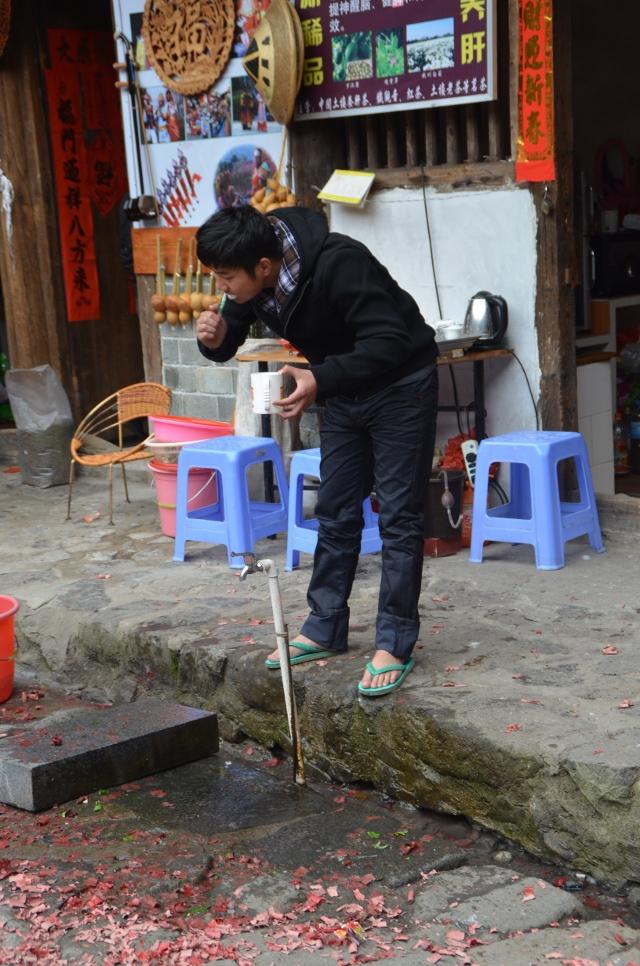 Yuchang Lou - Toilette matinale