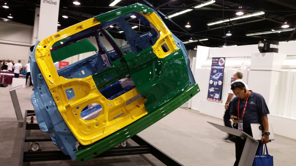 The magnesium (yellow) and aluminum (green) liftgate of the 2017 Chrysler Pacifica. (John Huetter/Repairer Driven News)
