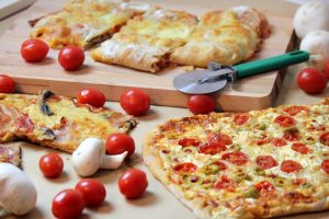 Πίτσα - Σπιτική, εύκολη, λαχταριστή!!!