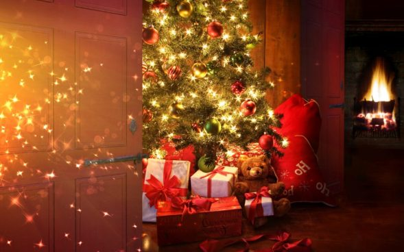 christmas-tree-with-presents-wallpaper-2